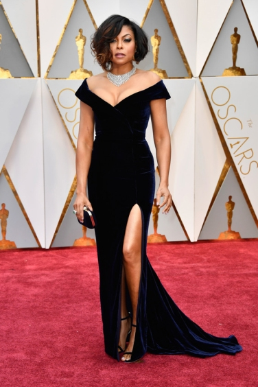 Taraji-P-Henson-Oscars-2017-Red-Carpet-Fashion-Alberta-Ferretti-Tom-Lorenzo-Site-2